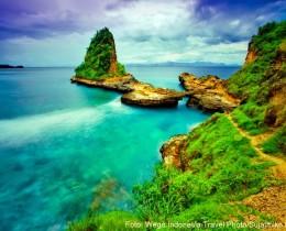 Pantai Tanjung Bloam Lombok Timur